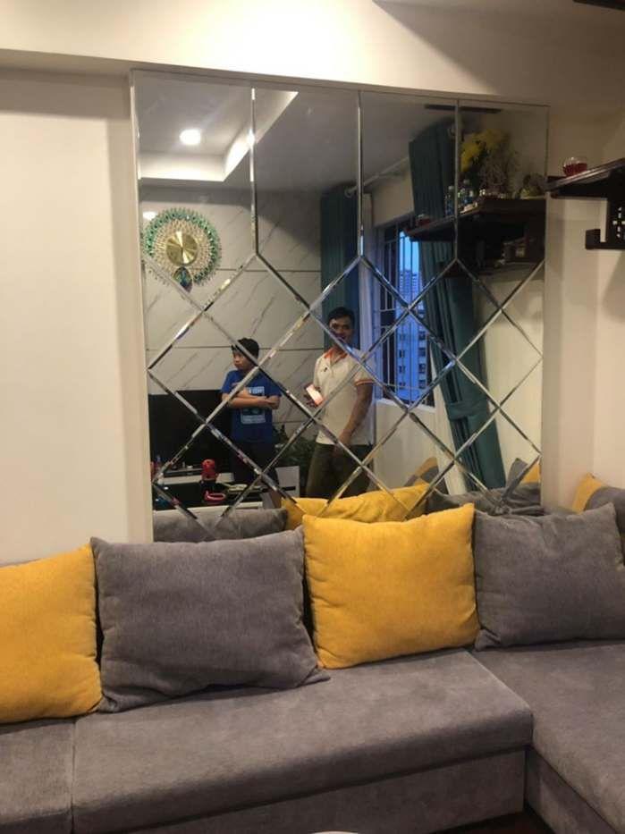 Kính trang trí phòng khách