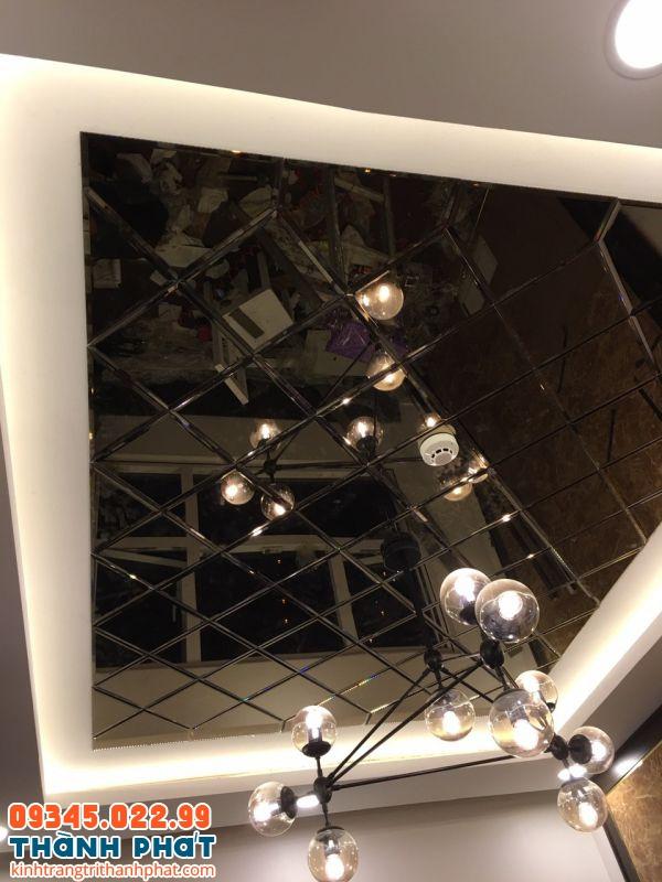 Gương ghép ốp tường trần nhà