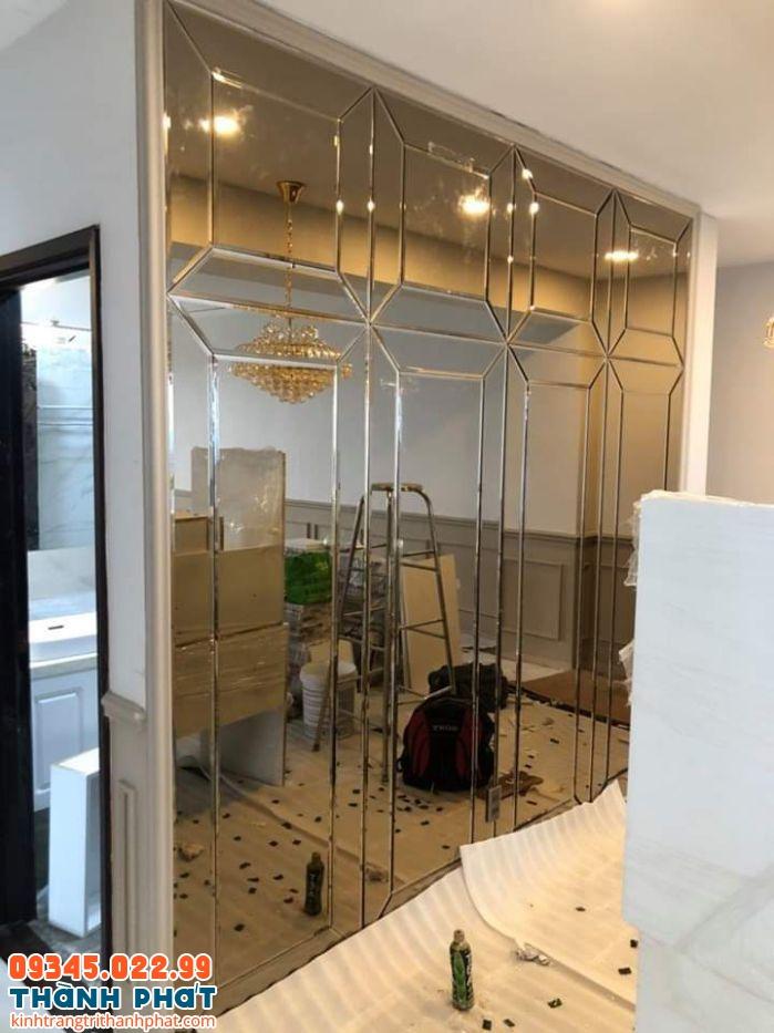gương ốp tường cho cửa hàng, quán