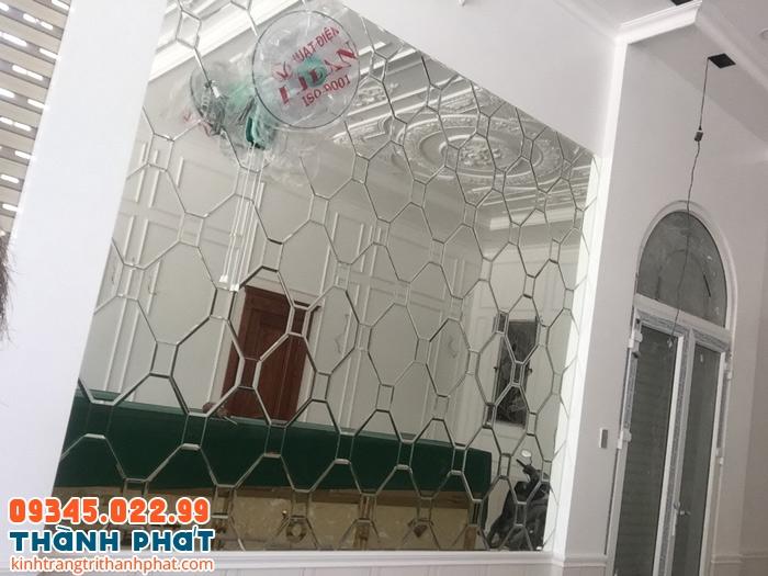 giá gương dán tường