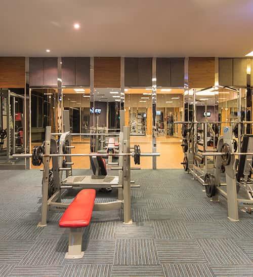 gương ghép phòng tập gym