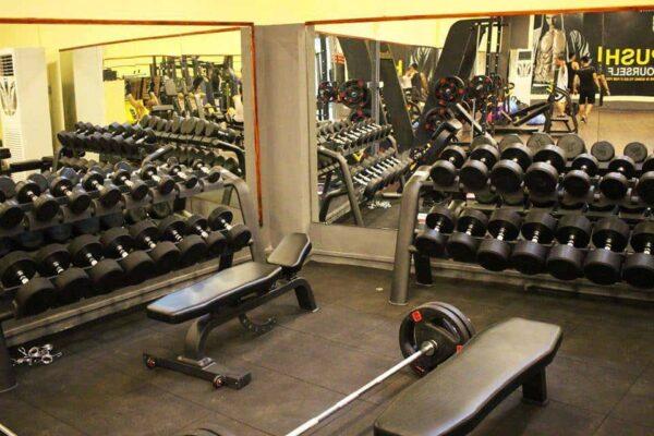kính phòng tập gym